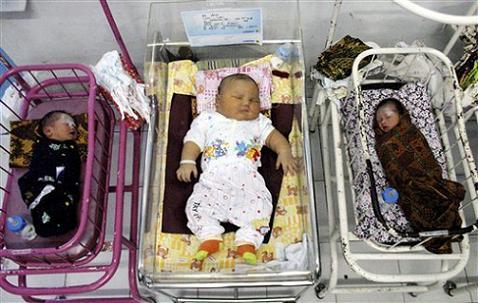 Nace un bebé de más de 5 kilos en Rusia y no es el único