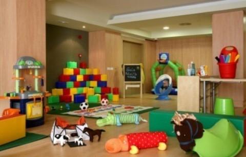 fitur habilita una sala infantil para cuidar de los niños