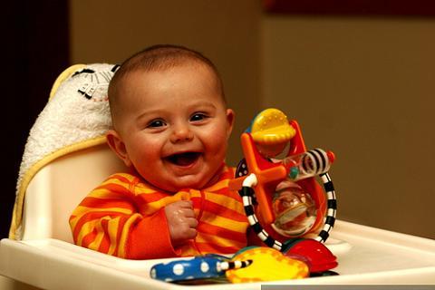 A los seis meses si tu bebé no te ve, para él no estás