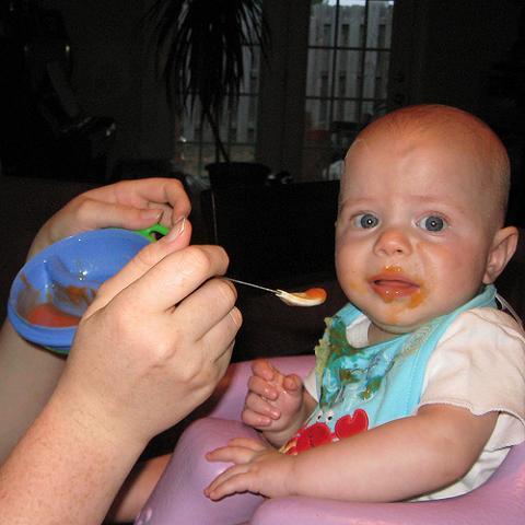 Los problemas para comer y dormir suelen ir juntos en los bebés