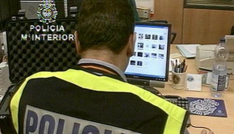 Policías encubiertos para luchar contra la pornografía infantil en internet