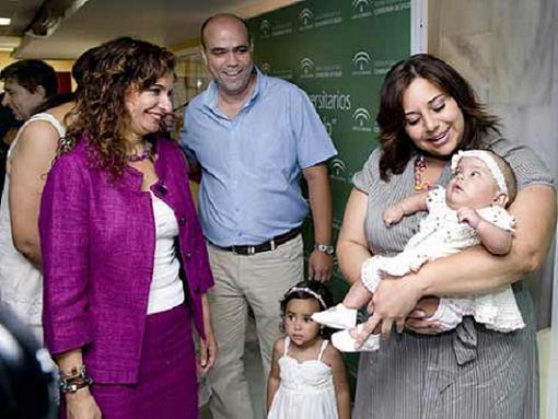 Operada de espina bífida en el útero materno