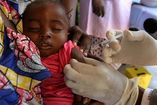 La OMS recomienda viajar vacunado