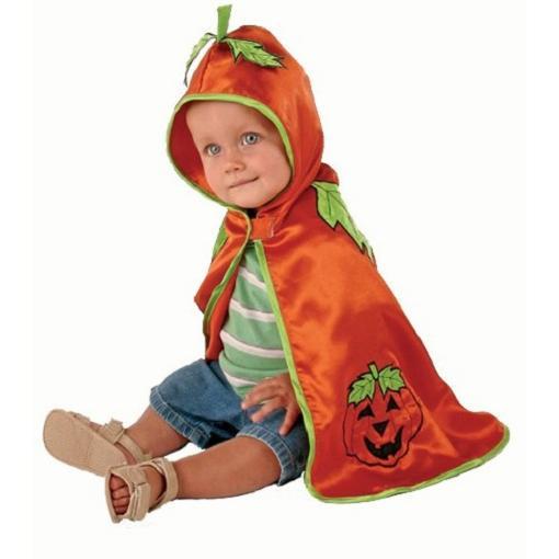 Disfrazar al bebé de Halloween solo con una capa