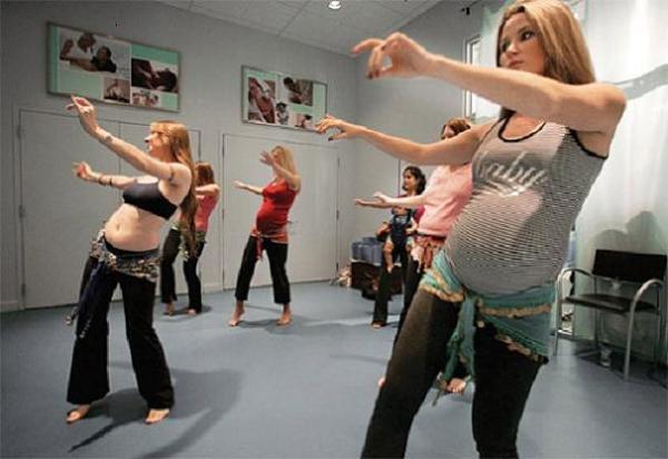 La danza del vientre ayuda a la embarazada