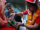 Fernando Alonso con los niños enfermos de Nueva Delhi