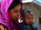 Una bebé golpeada y mordida por humanos en la India