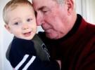 Mala costumbre es querer convertir a los abuelos en padres