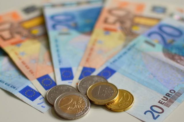 En Navarra se ayudará económicamente a padres que soliciten excedencias para cuidar a sus hijos enfermos