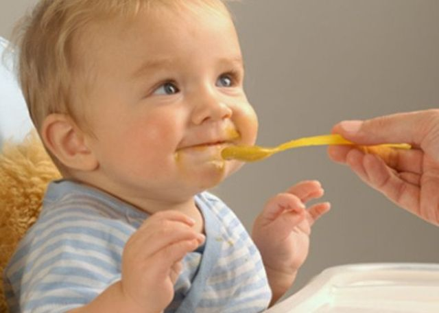 Consejos para mejorar los caldos y cremas para el bebé