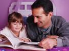 Leer en voz alta a los niños les ayuda a su desarrollo