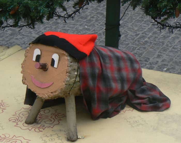 Personajes tradicionales navideños: Tió de Nadal