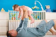 Los papás que más juegan con sus hijos: los españoles