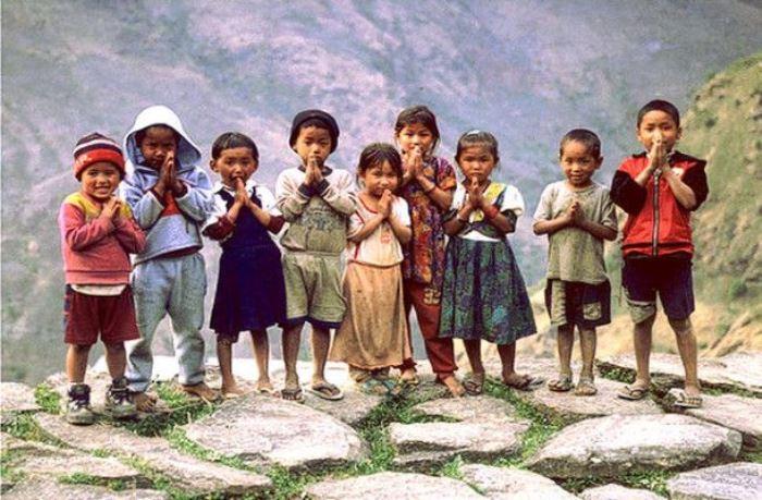 niños de nepal y terremoto