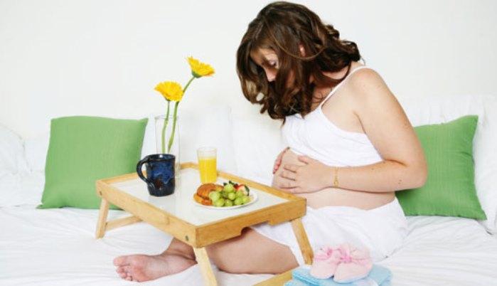 embarazada, tiempo y desayuno