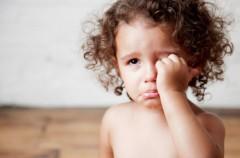 Cuándo ir a urgencias si al niño le duele la cabeza