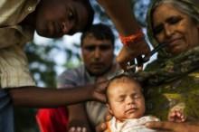 Tradiciones en el nacimiento del bebé por el mundo: Rapar la cabeza