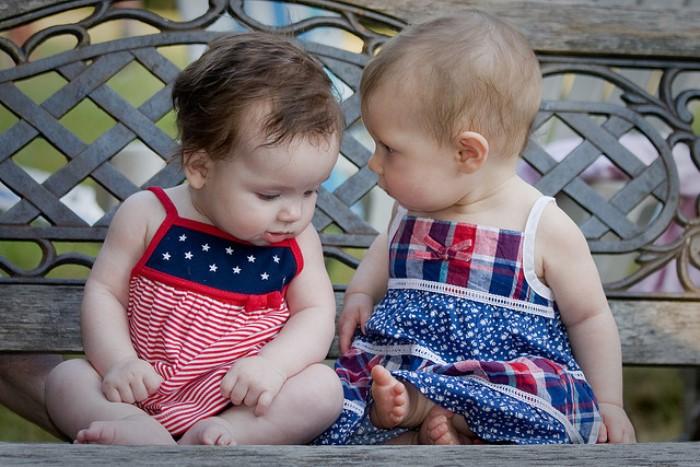 los bebés prefieren escuchar a otros bebés