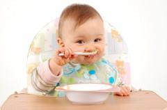 Alimentos que no debe tomar un bebé menor de un año