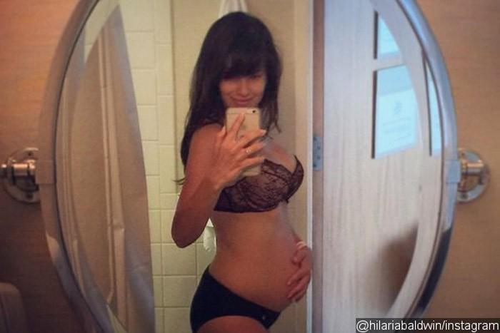 embarazo mujer alec baldwin