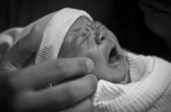 Si no quieres a tu bebé pide ayuda, no le abandones