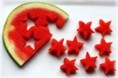 Truco para que los niños coman fruta: utiliza el cortapastas