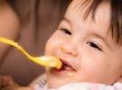 La papilla de cereales, su primer encuentro con la cuchara