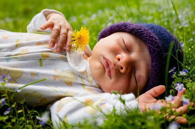 No silencies la casa durante la siesta de tu bebé
