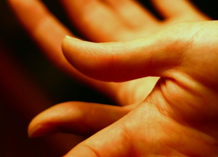Si te pican las manos consulta con el obstetra