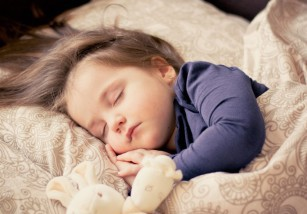 Los bebés no deben usar la almohada para dormir hasta los dos años