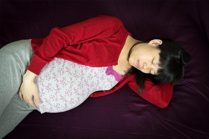 Las embarazadas se despiertan por la noche para prepararse a la lactancia