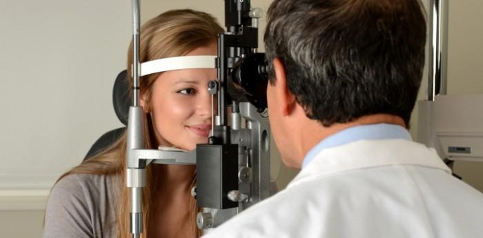 embarazada en el oftalmologo