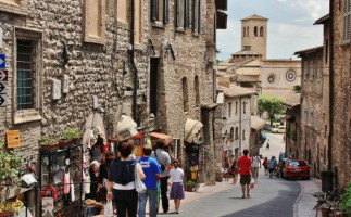Hoteles gratis, en Italia, para aumentar la natalidad