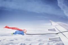 Nace en el avión y la madre le pone el nombre de la aerolínea