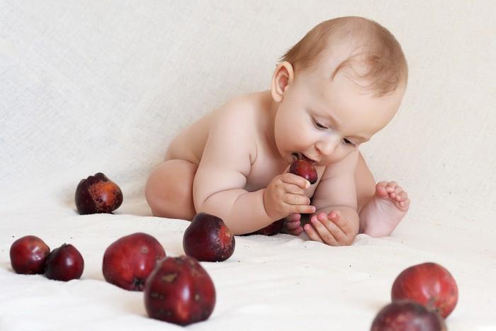 Cuidar la alimentacion del bebé en su primer año de vida