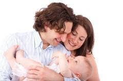 Los padres elegirán el orden de los apellidos del bebé