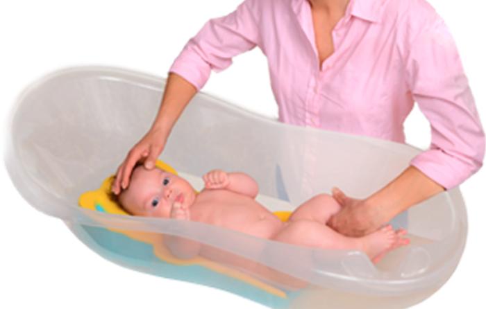Esponja,  complemento para la seguridad del bebé en la bañera