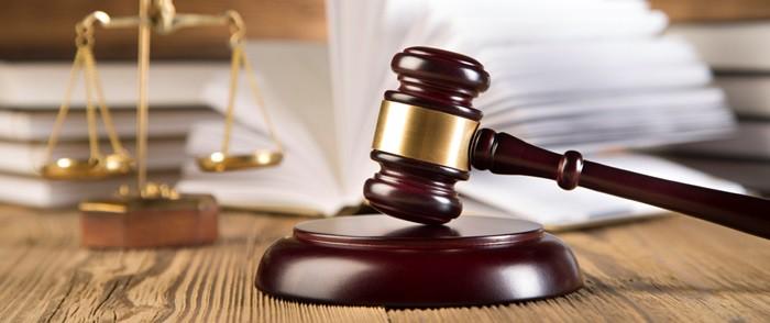 baja maternal y tribunales
