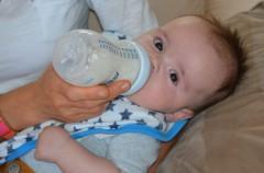 Bebés más altos si toman leche de vaca