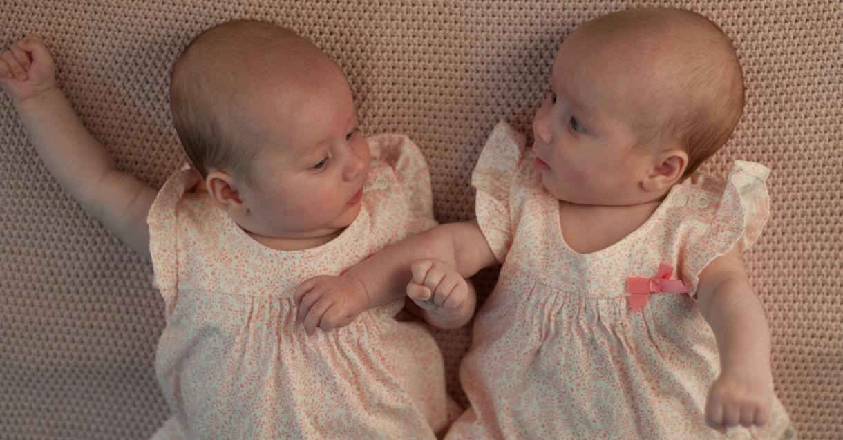 Llegan gemelos: estas son las seis reacciones más curiosas