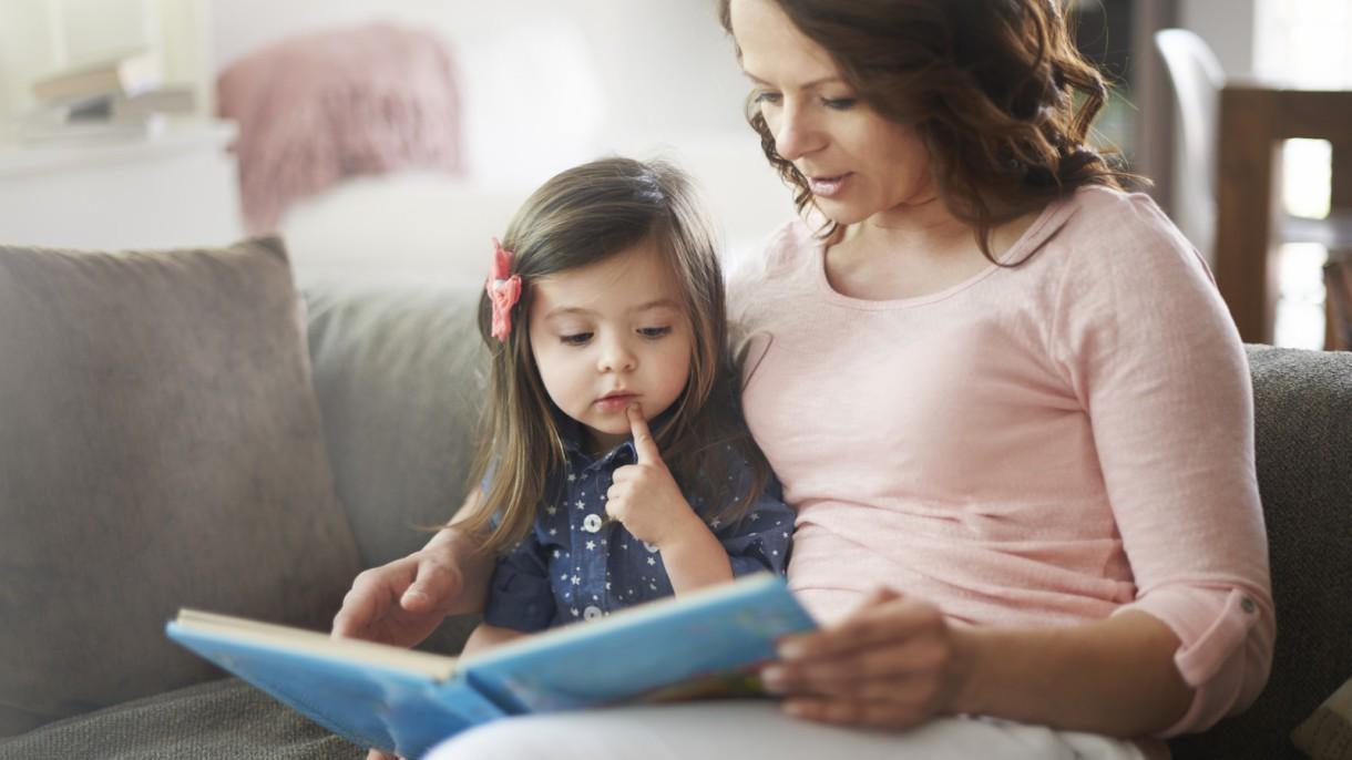 Leer a los niños aumenta su actividad cerebral