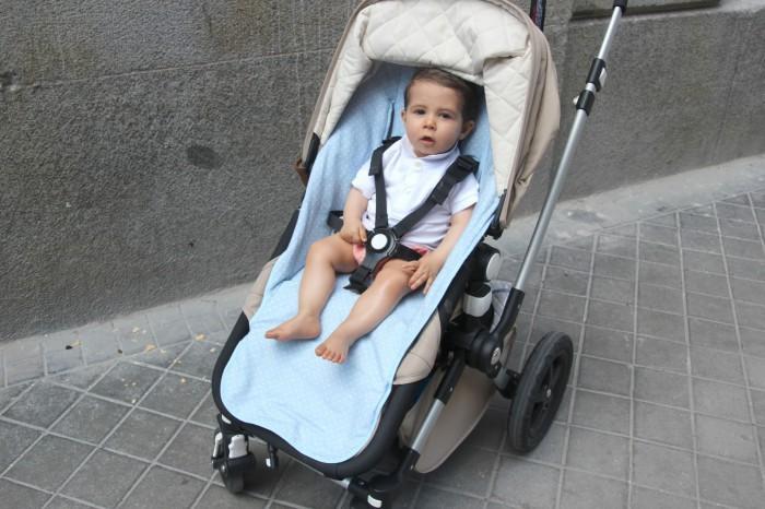 bebé de paseo