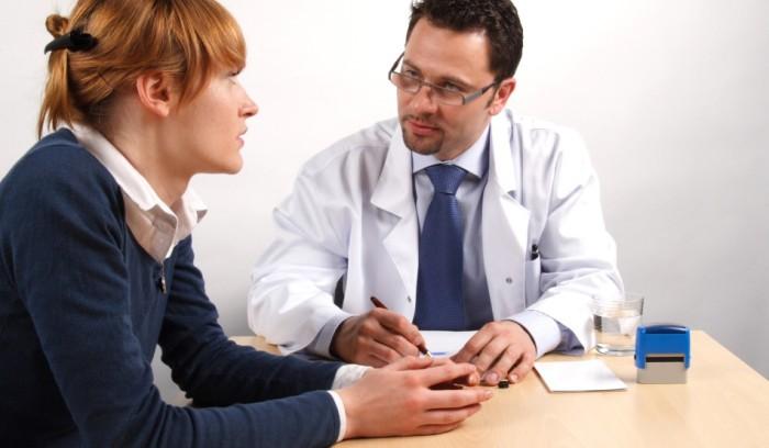 embarazada en el medico