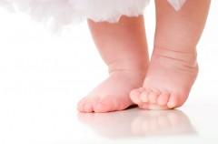 El podólogo infantil cuida los pies de tu bebé