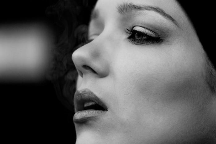 Algunas mujeres pueden sentir que tienen sentimientos agobiantes