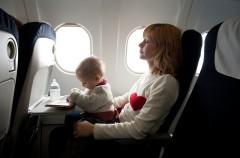 Evitar el llanto del bebé en el avión ¿es posible?
