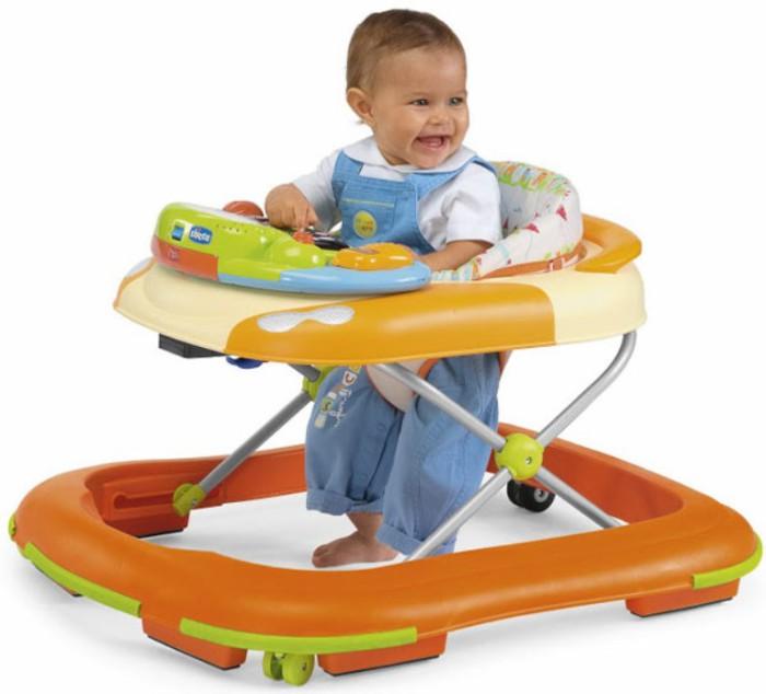 bebé en el andador