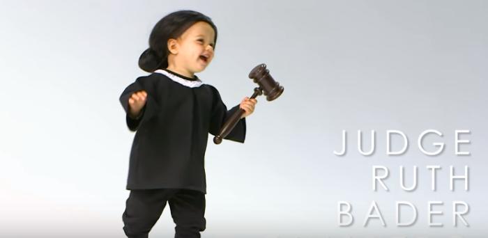 bebés disfrazados adultos famosos (6)
