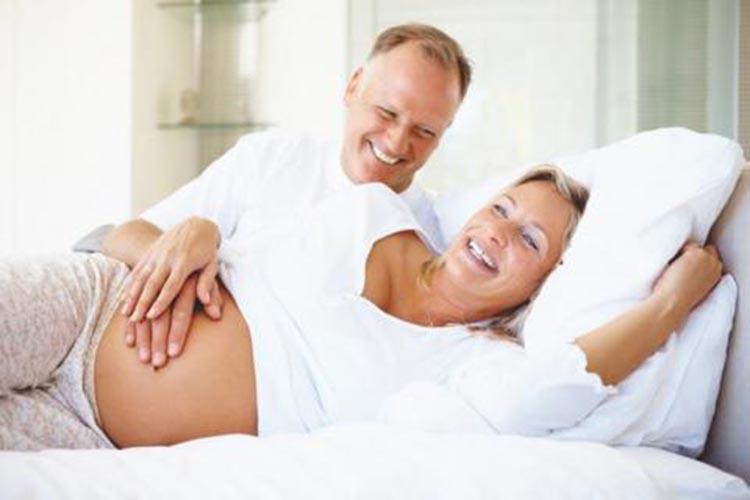 Ser madre primeriza mayor, prolonga la vida