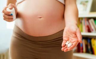 Los antibióticos en el embarazo dañan la flora intestinal del bebé